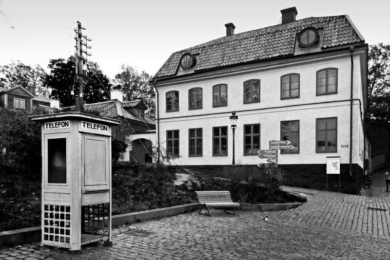 Telephone Booth / Телефонная будка