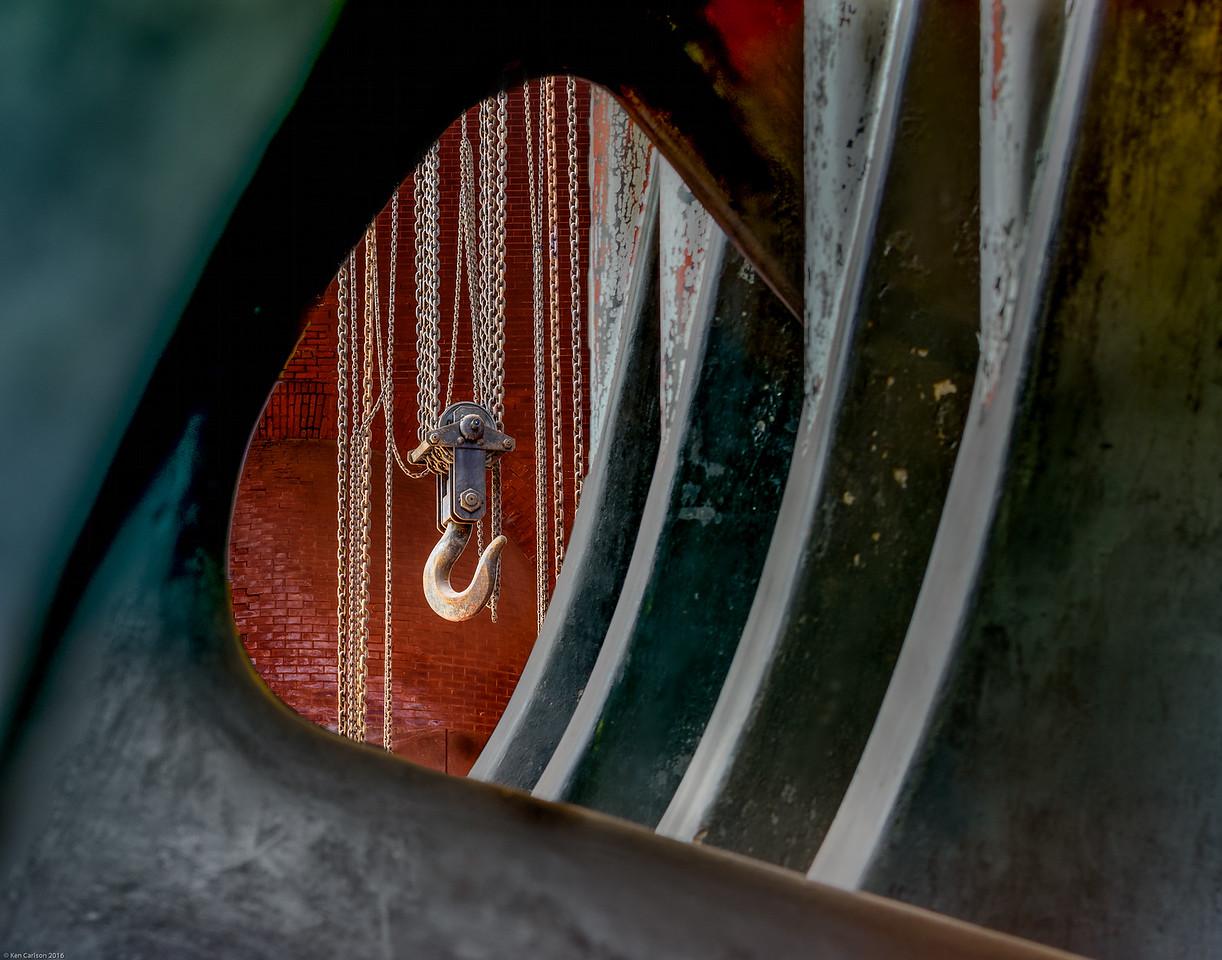 Chain and Hook through Pump Mechanism