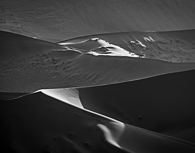 Shadows and Light in Dunes
