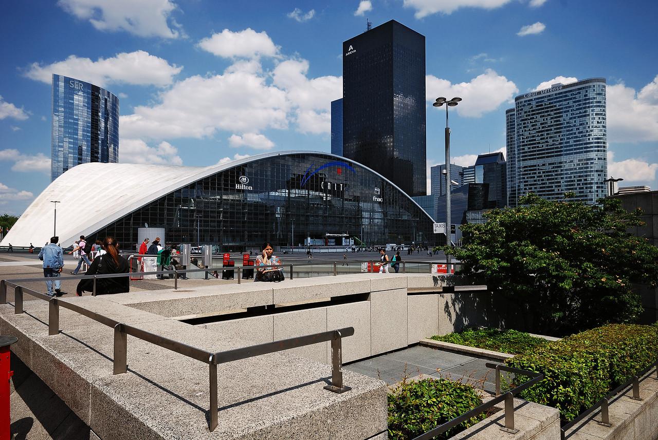 La Défense, Centre national des industries et techniques