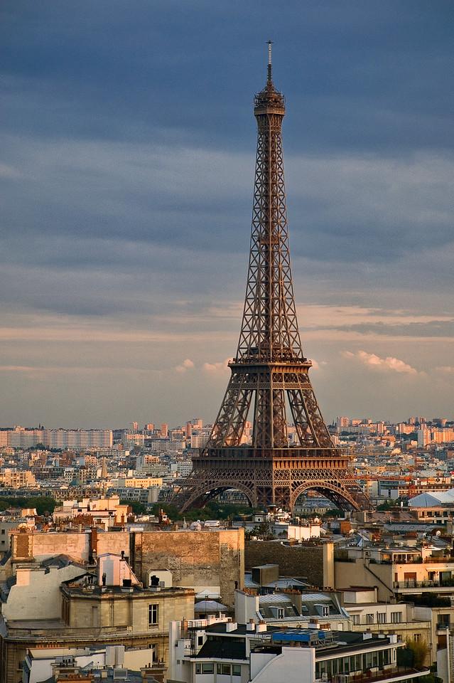 La tour Eiffel. View from Arc de Triomphe