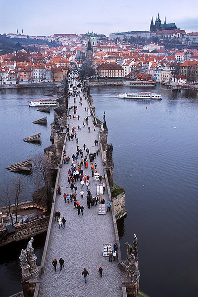 - Charles Bridge, Prague Castle and Hradčany view from East Bridge Tower<br /> - Вид на Карлов Мост, Пражский Град и Градчаны с Восточной Мостовой Башни.