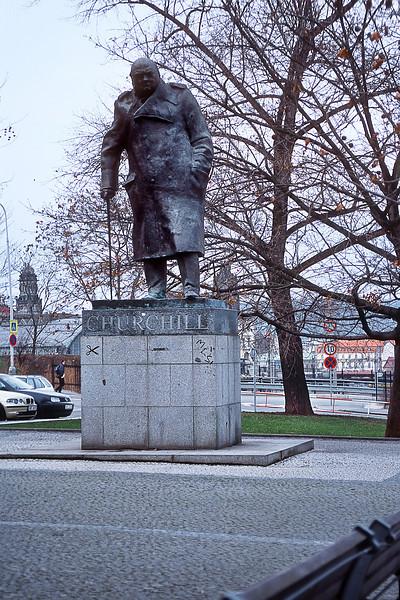 - W. Churchill Monument<br /> - Памятник У. Черчиллю