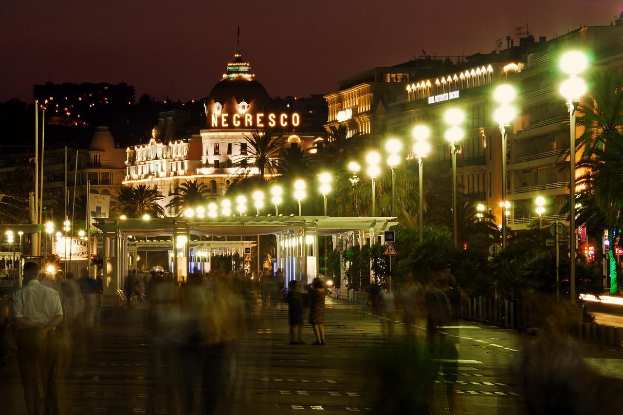 Promenade des Anglais, Negresco Hotel