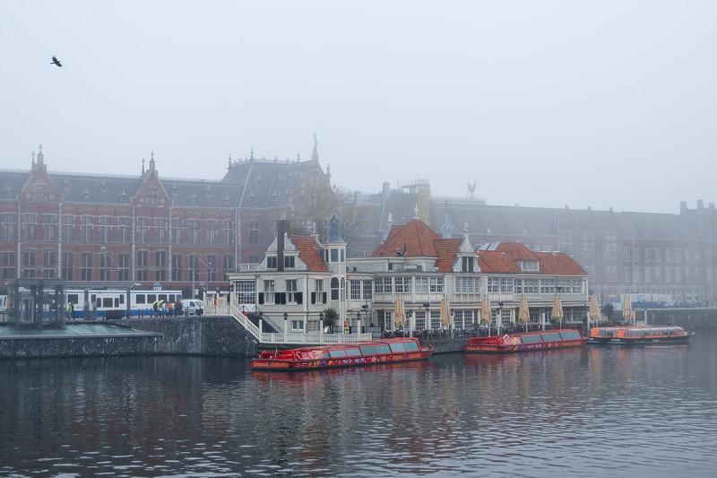 Amsterdam Centraal, Amsterdam, The Netherlands<br /> Центральный вокзал в Амтердаме, Нидерладны