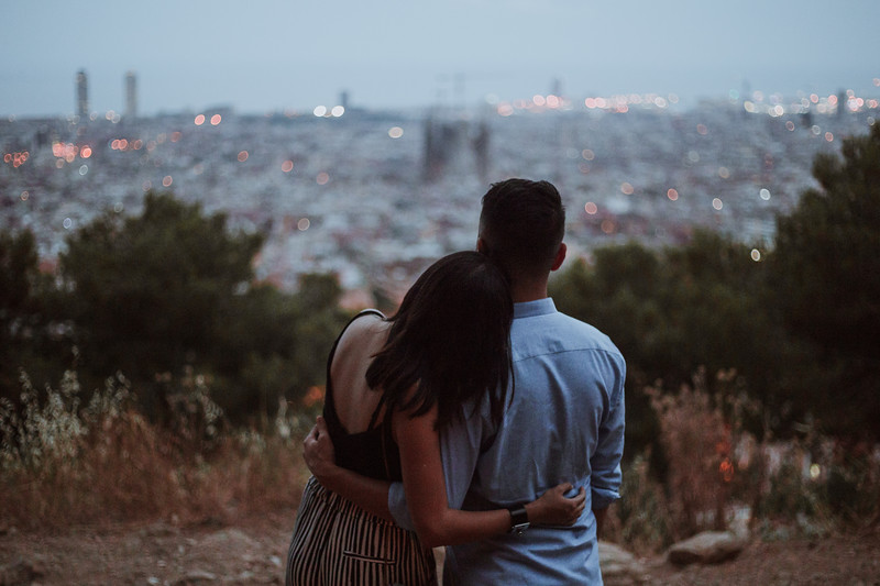 Proposal at sunset and morning after photos   Barcelona, Spain