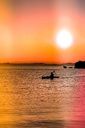 Sea Kayaking at sunset on Isla Espíritu Santo