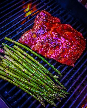 Barbecue Ribs and Asperagus