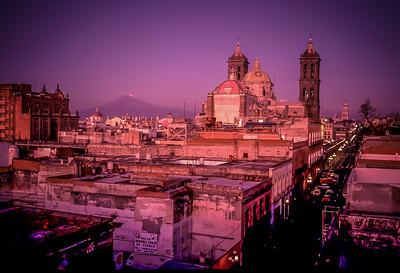 Popocatépetl, Mexico's second tallest Volcano above the city of Puebla, Mexico