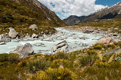 Hooker River in Mt. Cook NP