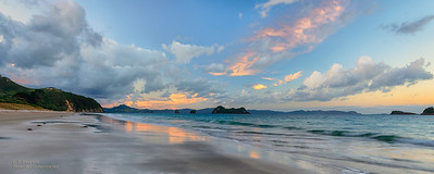 Hahei Beach (NZ) Sunrise