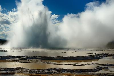 Great Fountain Geyser Erupting