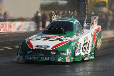 Ashley Force Hood defeated her dad John Force to win her 2nd concectutive Mac Tools US National Funny Car Crown.