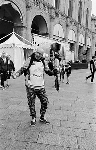 Flamboyant photographer. Bologna, Italy