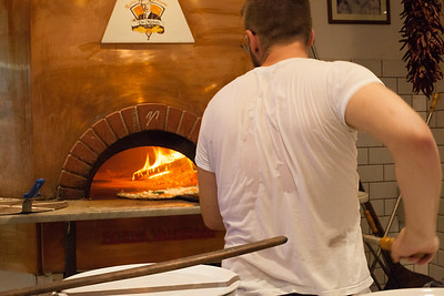 L'antica Pizzeria da Michele, serving Neapolitan style pizza