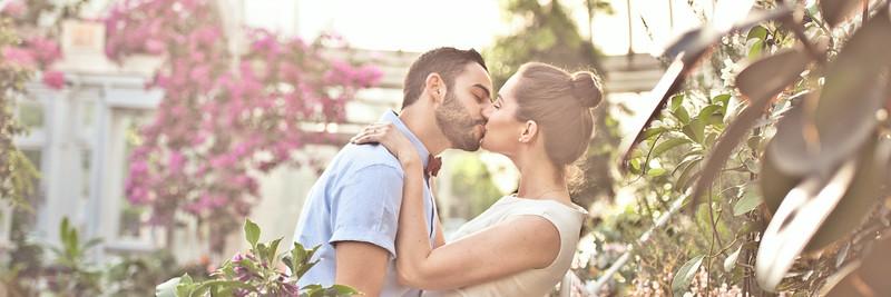 Engagement Photographer | Westmount | Park | Greenhouse | Montreal | Lindsay Muciy Photography
