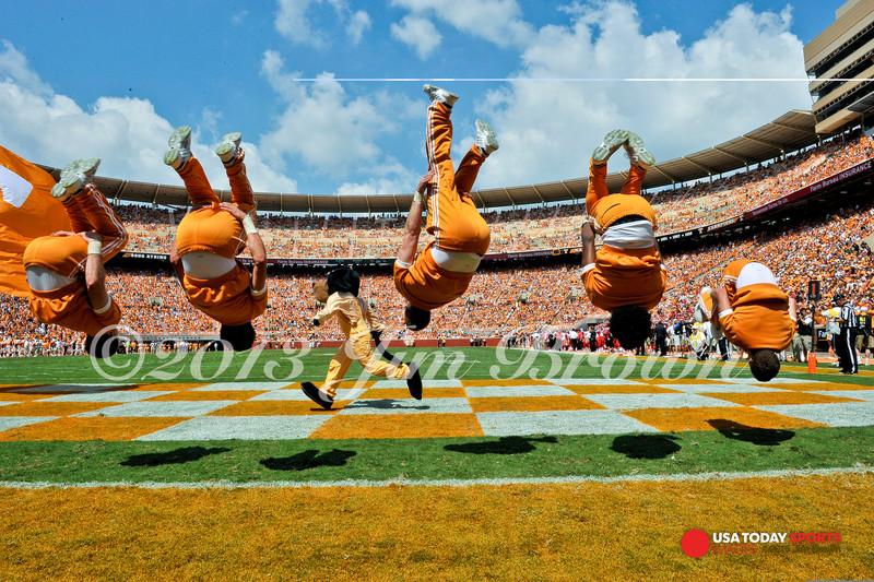 NCAA Football: Western Kentucky at Tennessee