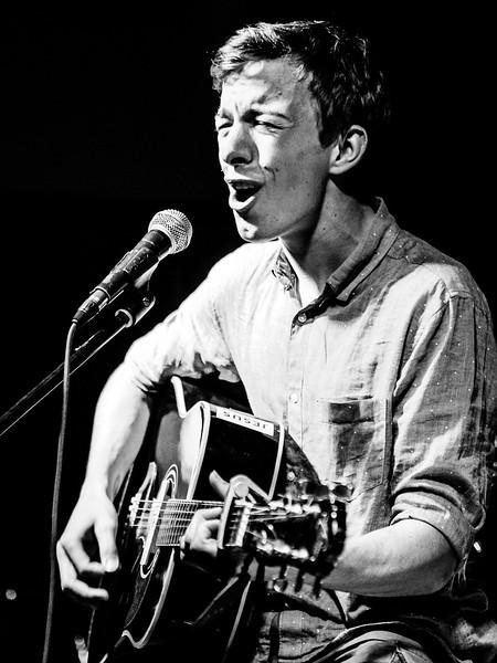 Kytarista a zpěvák Petr Wohlgemuth