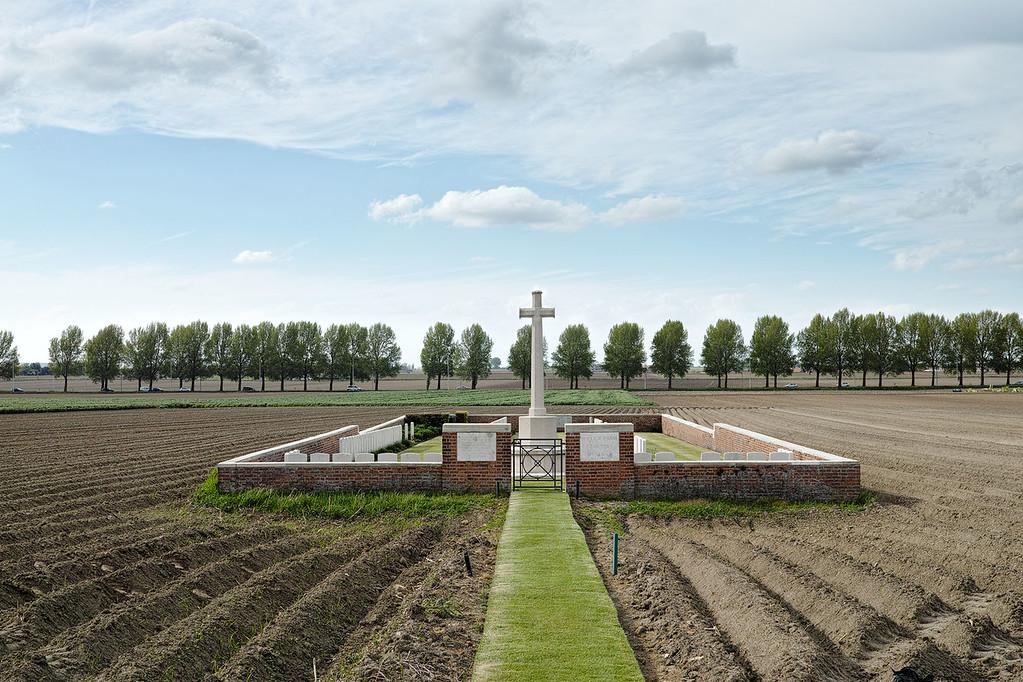 Wieltje Farm Cemetery, Sint Jan (St. Jan) nr. 153