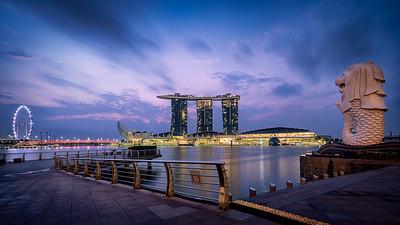 Sonnenaufgang an der Marina Bay