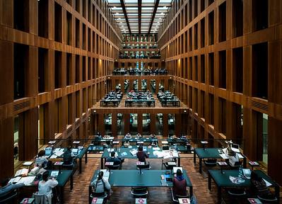Die moderne Grimm-Biblithek in der Berliner Universität