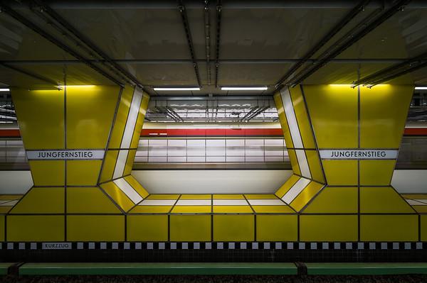 U-Bahn Jungfernstieg in Hamburg,