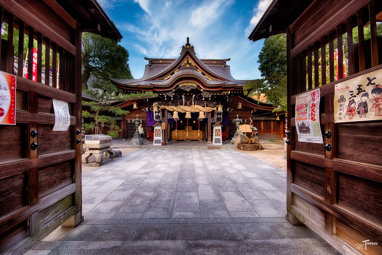 HDR Shrine Entrance