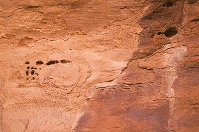 Rock patterns along the Devil's Garden trail in Arches NP