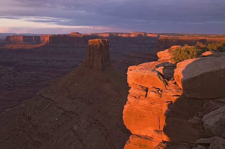 Sunrise over Canyonlands photographed from an offroad location with Canyonlight Photo Tours