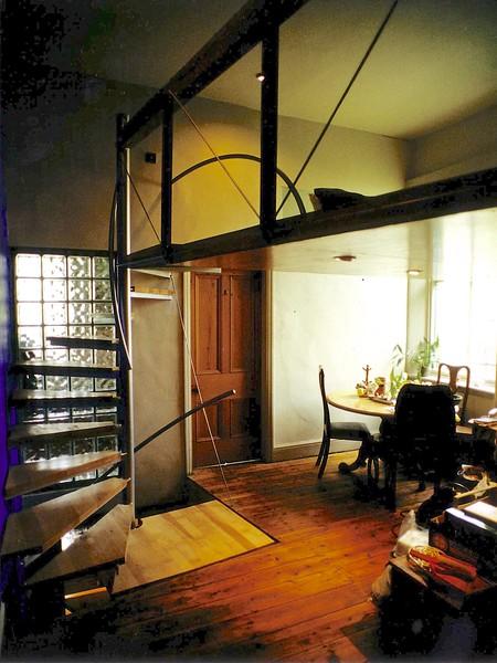 stair+ table sihouette