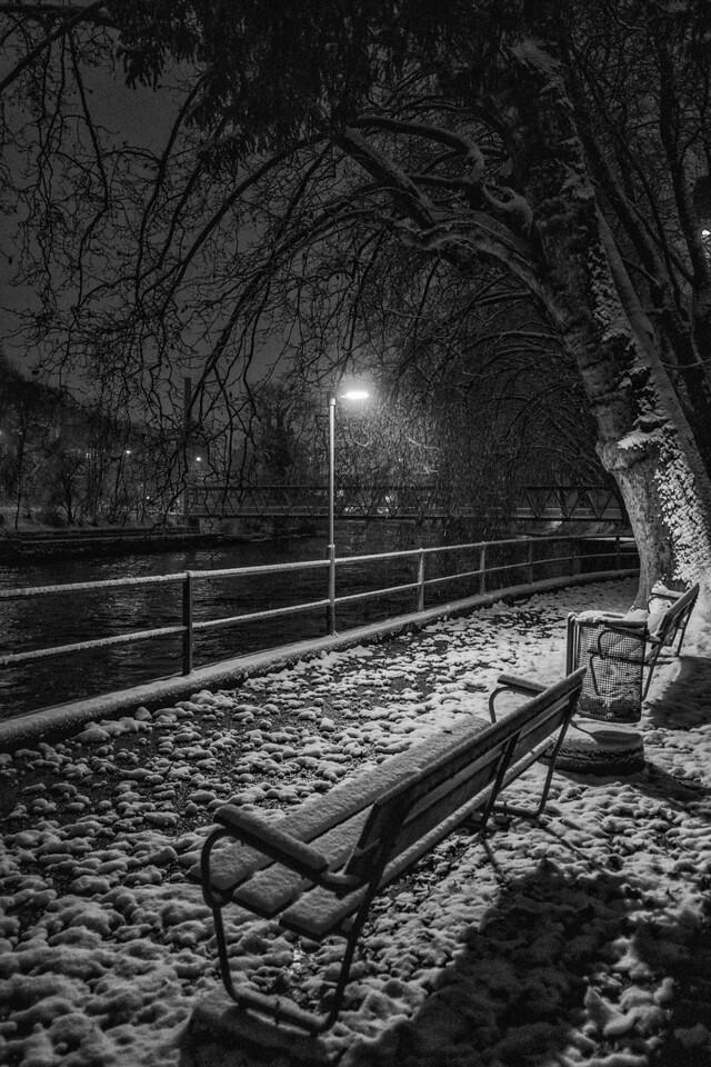 Snow Bench 1