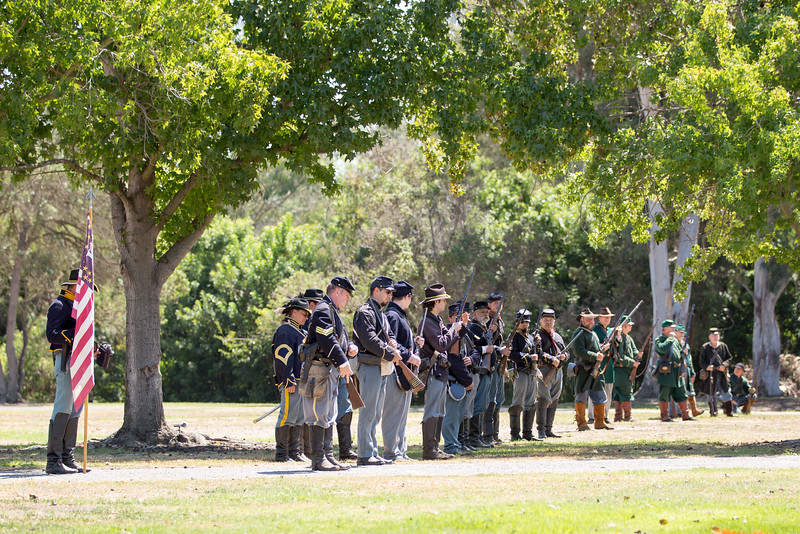 Union soldiers lined up for battle