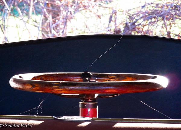 11-25-15: an old steering wheel