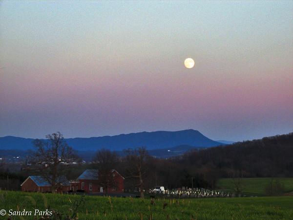 11-24-15:full moon on Centerville