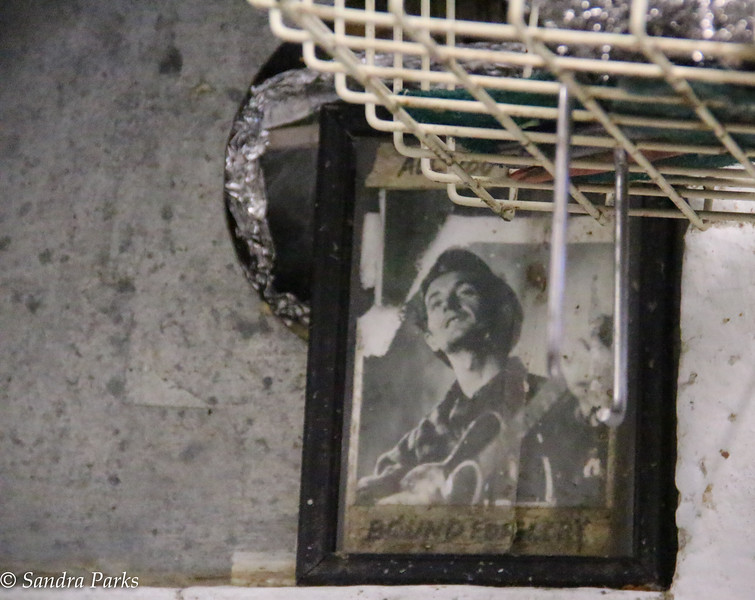 12-10-16: Woody Guthrie, in the Little Grill dishrooom.