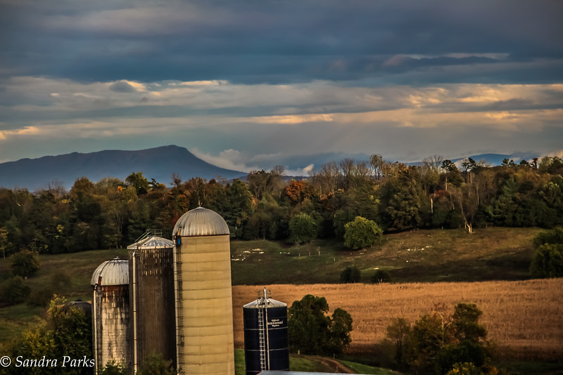 10-21-16 : on the county line
