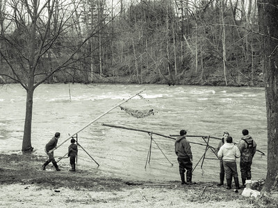 4-16-18: Fishing for suckers in the churning muddy water