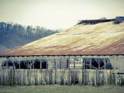 3-17-18 : old barn, Honey Run