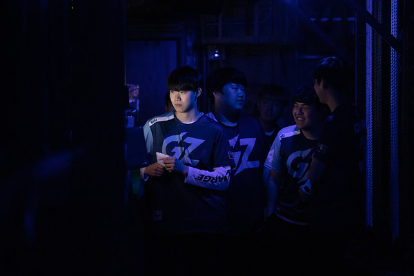 "Jin Seo ""shu"" Kim backstage"