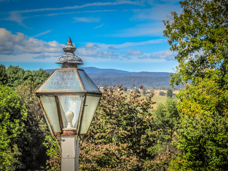 10-10-19: Lampost in the clouds