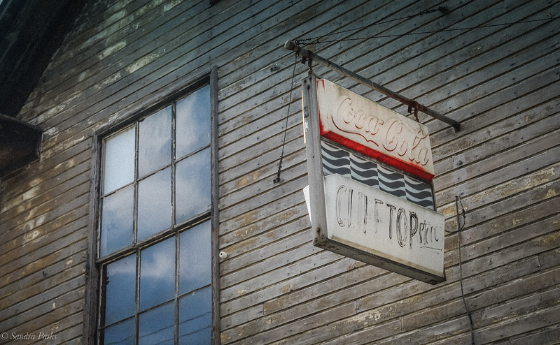 Clifftop store