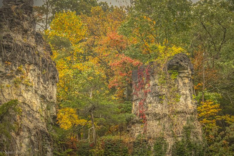 10-11-2020: Natural Chimneys