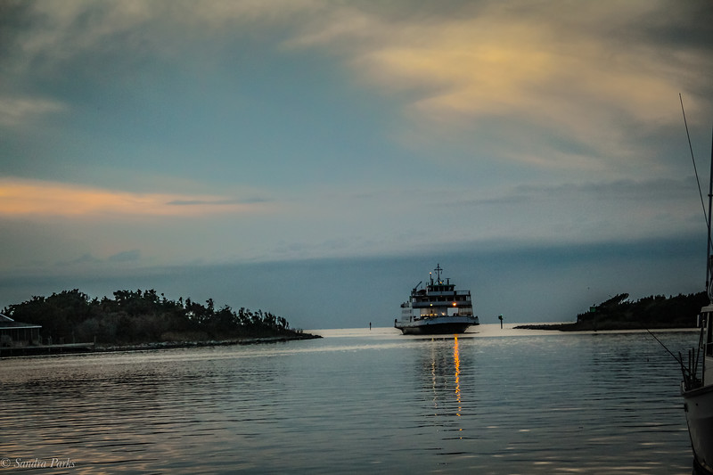 9-27-2020: Ferry coming into harbor