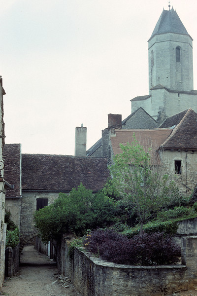 Église du XIIème siècle, Saint-Macaire (France), août 1989<br /> A church of 12th century in St. Macaire (France), August 1989