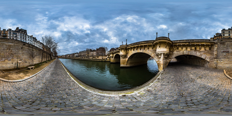 Pont Neuf Riverbank - © Christian Kleiman