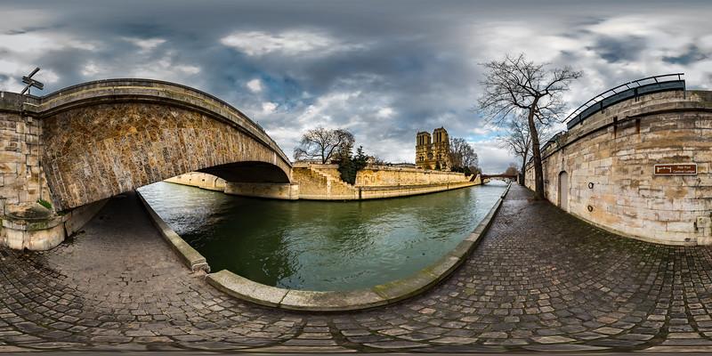 Notre Dame Cathedral - Pont des Coeurs