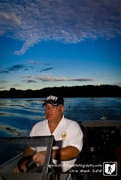 I went out this evening to shoot the Gallia County Sheriff's Marine Patrol.  This is Deputy Tommy Wright out on the Ohio River.