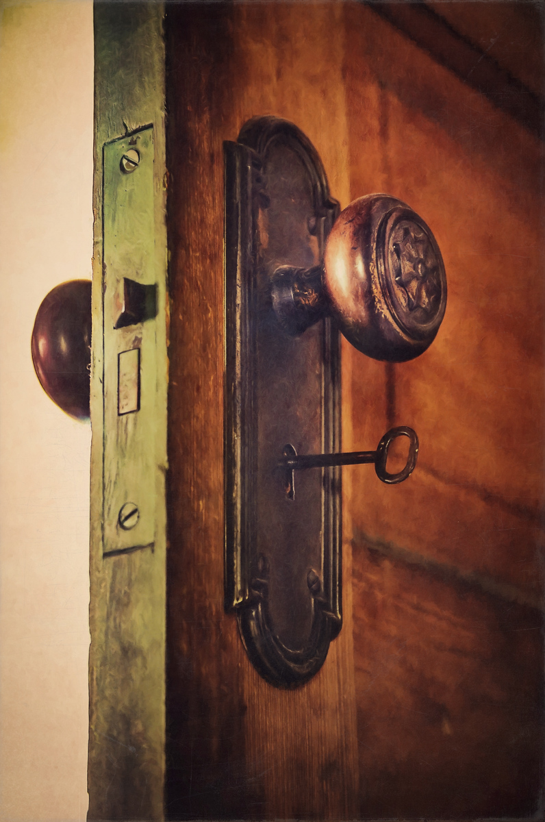 Door Knob and Skeleton Key - Scott Norris Photography