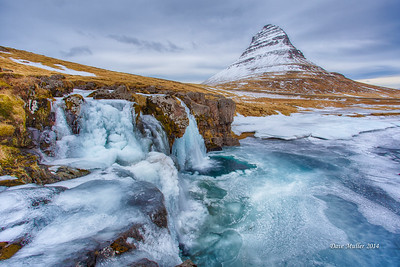 Kirkjufellsfoss and Kirkjufell in Winter