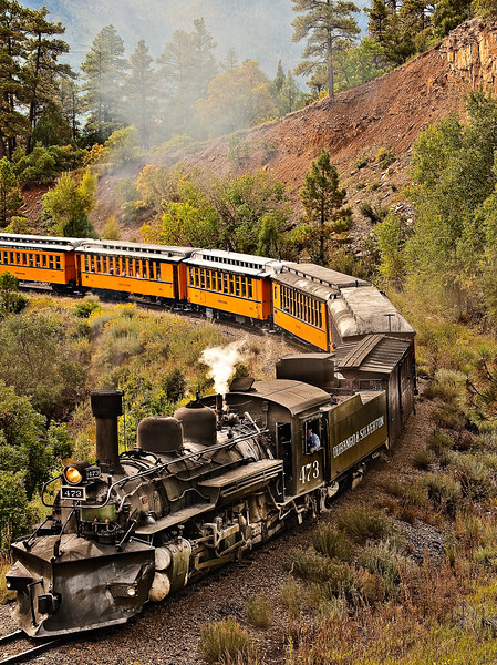 Durango-Silverton Train on Curve_LDG1921_6153